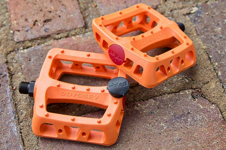 odyssey-twisted-orange-pedals-750